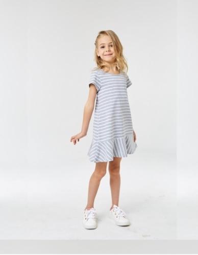 Платье для девочки р.104, серо-белое в полоску UMKA