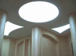 Натяжной потолок Бельгия одноуровневый полупрозрачный